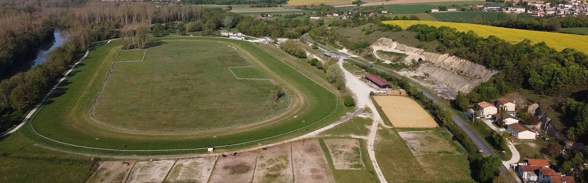 Montignac-Charente-bandeau-centre-equestre