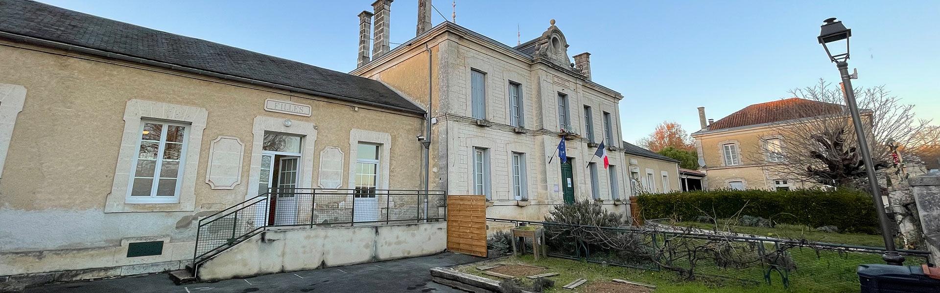 Montignac-Charente-bandeaux-ecole-primaire